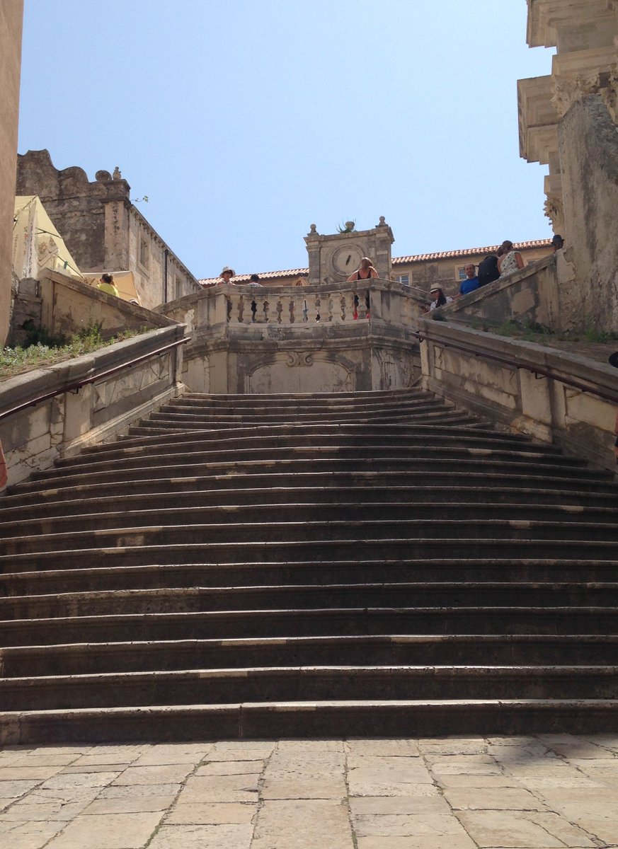 Managed to catch a nearly tourist-free snap of the staircase from #GameofThrones&#39; infamous &quot;shame&quot; scene. Thanks #SAS for the fantastic analyst event in #Dubrovnik #sasARconf #IDC #IDCInsightsEMEA<br>http://pic.twitter.com/OIPCNkF1P6