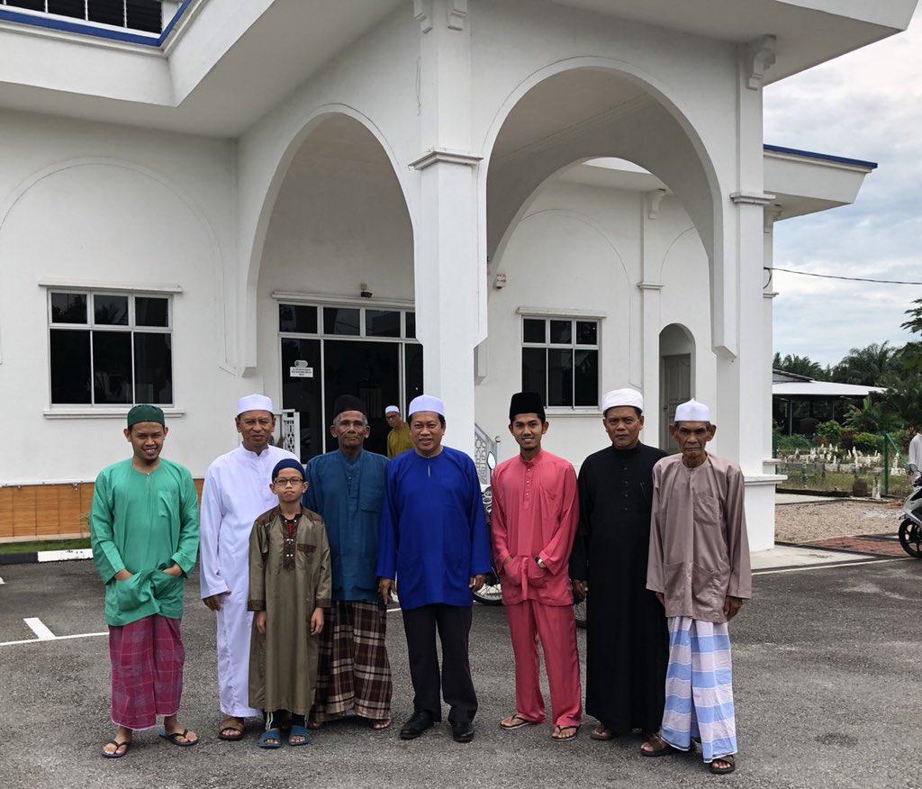 Ahmad B Maslan Sur Twitter Solat Jumaat Di Masjid Pt