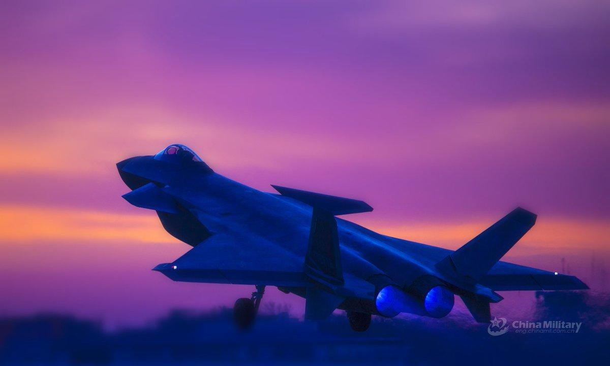 المقاتلة الصينية J-20 Mighty Dragon المولود غير الشرعي - صفحة 4 DelyNaTVMAA71LS