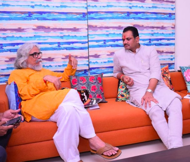 Gujarat BJP chief visits poet Tushar Shukla, cricketer Parthiv Patel as part of party's special reachout programme