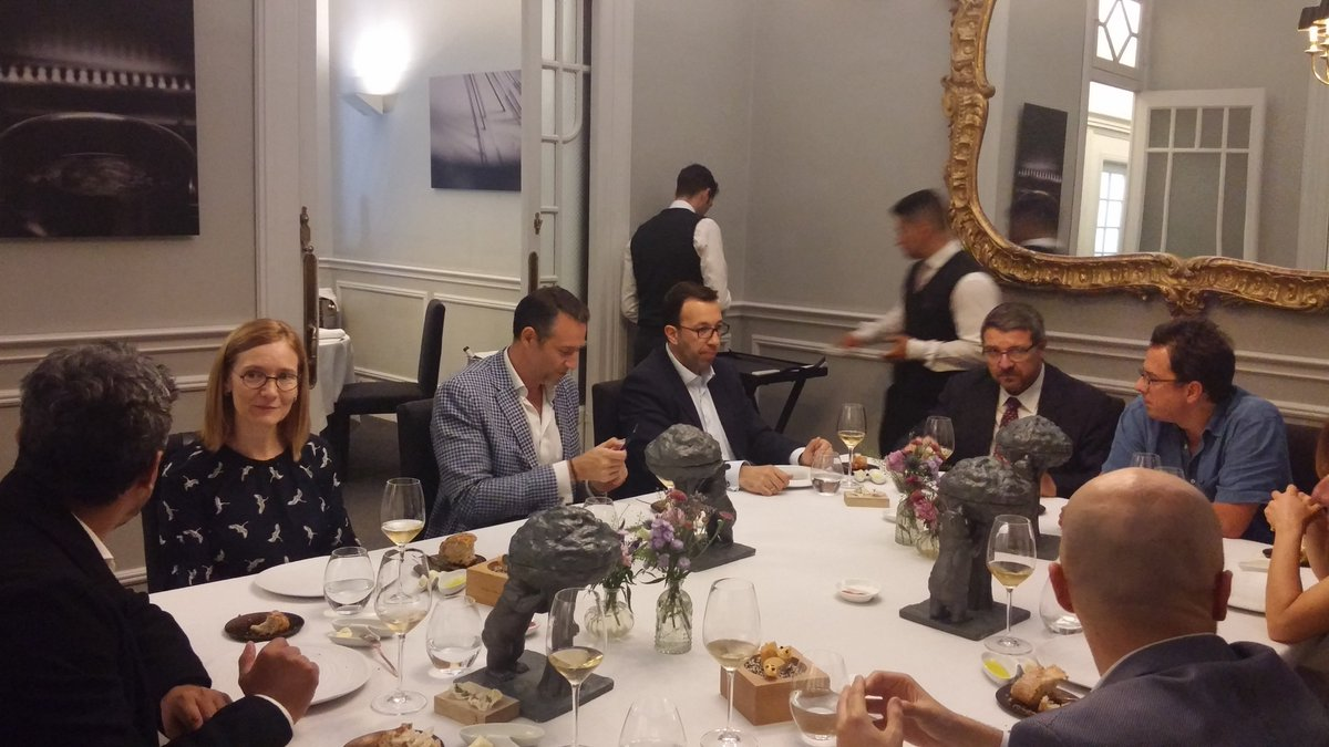👏🏻 Ayer tuvimos el honor de recibir a Unidad Editorial, Axpo, Real Madrid, Liberbank, y Euro6000 para una gran cena en el @cluballard. Gracias a todos por vuestra presencia. https://t.co/1HogSORiMV