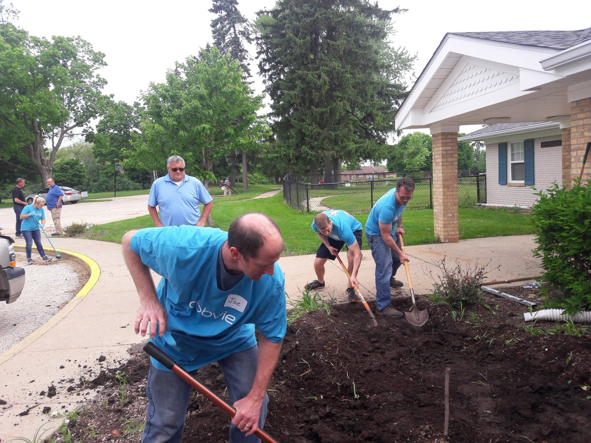 test Twitter Media - Our Lake Villa location recently hosted over 40 @AbbVieUS volunteers, helping on projects like painting curbs, building a fence, cleaning our residential homes, inventorying our school library, and landscaping and laying flagstone. Thanks for all your hard work! #AbbvieGivesBack https://t.co/vMfJtNxGK6