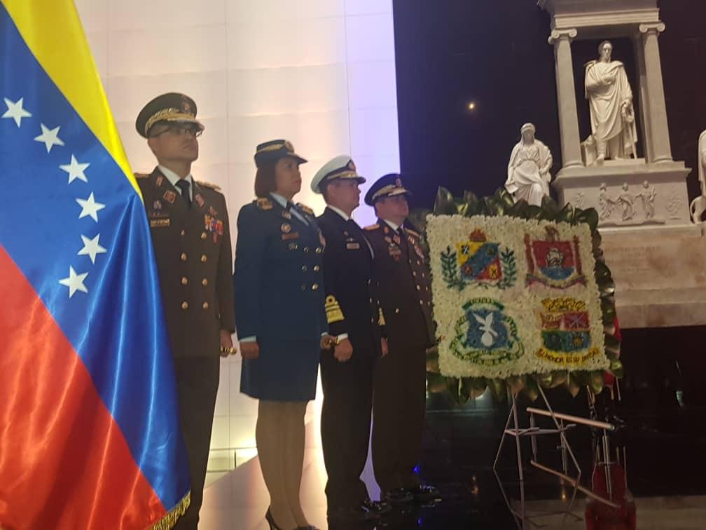Bolivar, Padre Libertador. Bicentenario - Página 9 Deo1hy5X4AABFrt