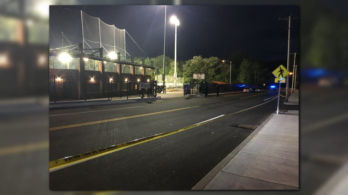 BREAKING: Police say a woman drove onto a Sanford baseball field during a game, struck a man, and drove off https://t.co/7zQW1YwyTX