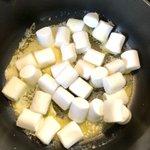 簡単なのに中毒性あるバターとマシュマロ、コーンフレークで作るおいしいお菓子!