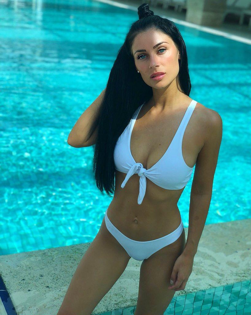 Hot Cally Jane Beech naked (72 photos), Topless, Sideboobs, Selfie, see through 2019