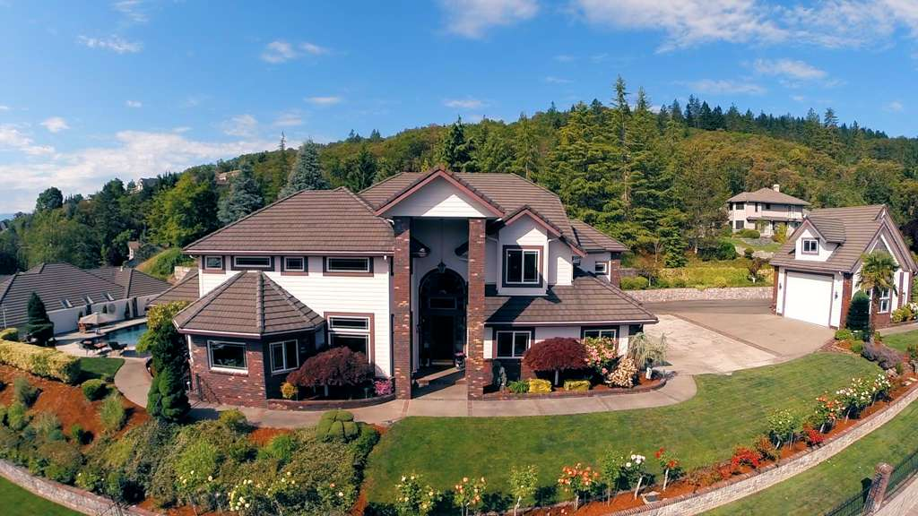Watch this #video #tour of a really great #realestate #property in Grants Pass #oregon - Just amazing!  https://t.co/yCz33bcQgp