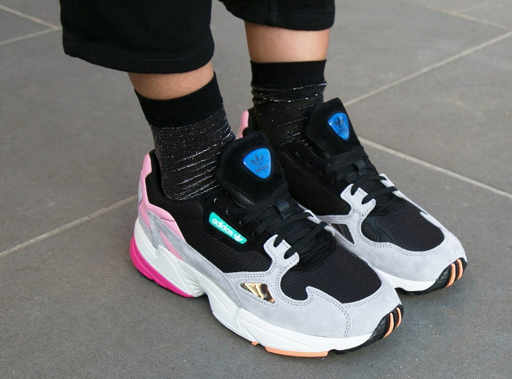 competitive price f2cf3 157e6 Sneaker Drop Co.™ on Twitter