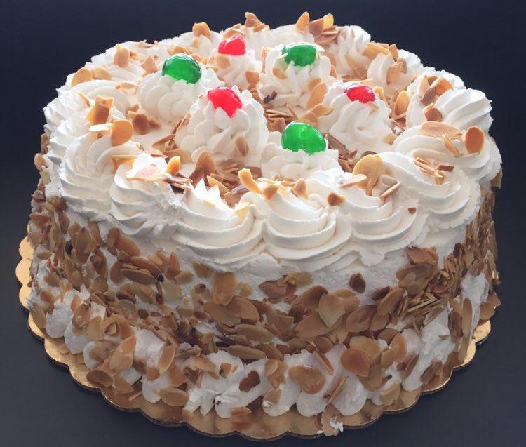 Cannoli World On Twitter Italian Rum Cake At The Cannoli