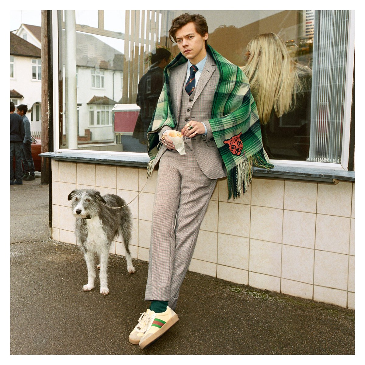 On set at a fish and chip shop in Northern London,  appears in the new  campaign wea#GucciTailoringring the House's latest suiting designs by . Discover mo#AlessandroMichelere  Photographerhttps://t.co/KwJXqTdm8z:  Art Director#GlenLuchford: #ChristopherSimmonds
