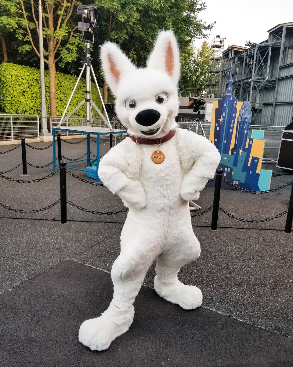 [Soirée] Disney FanDaze Inaugural Party (2 juin 2018) - Page 38 DetfHgIWsAA0wJA