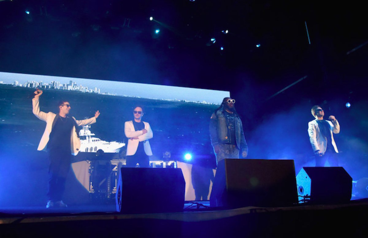 T-Pain joins The Lonely Island for their first-ever live performance trib.al/uFxQ0xw