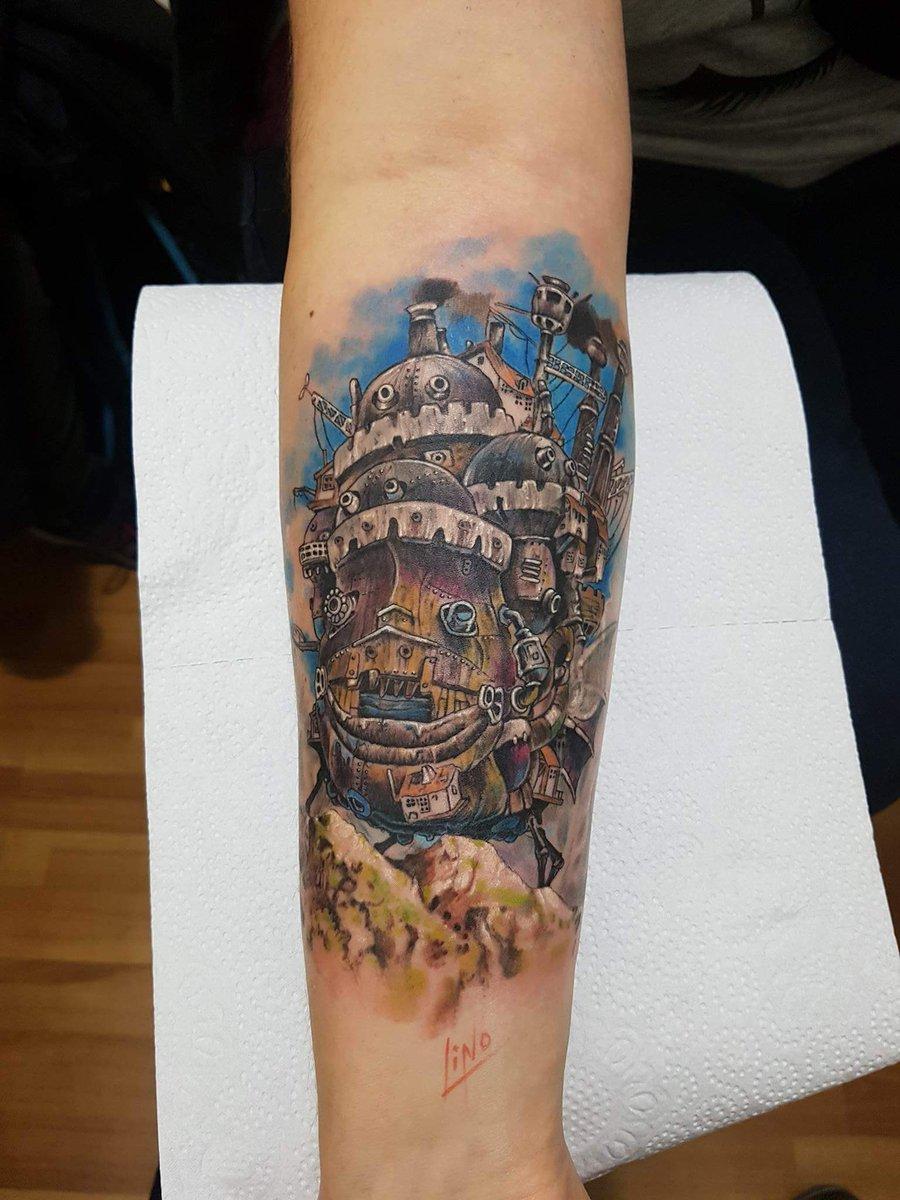 I got tattooed this masterpiece today.  #ghibli #スタジオジブリ #tattoo #howlsmovingcastle #ハウルの動く城 <br>http://pic.twitter.com/M2ZqIhZKum