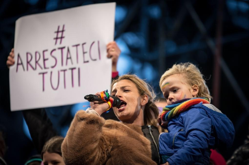 Ciao #Fontana #arrestatecitutti @FamArcobaleno