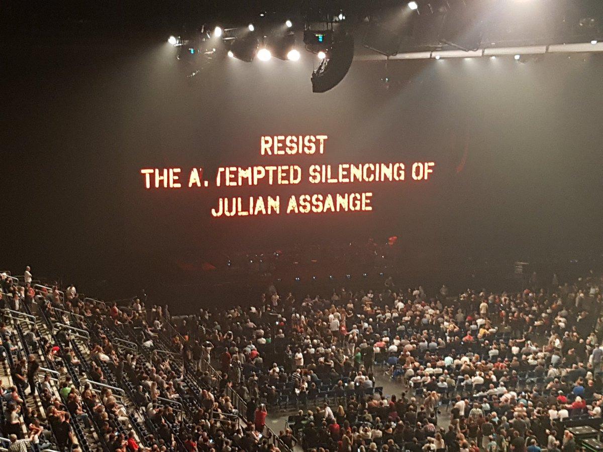 Wikileaks On Twitter Roger Waters Concert Last Night In Berlin