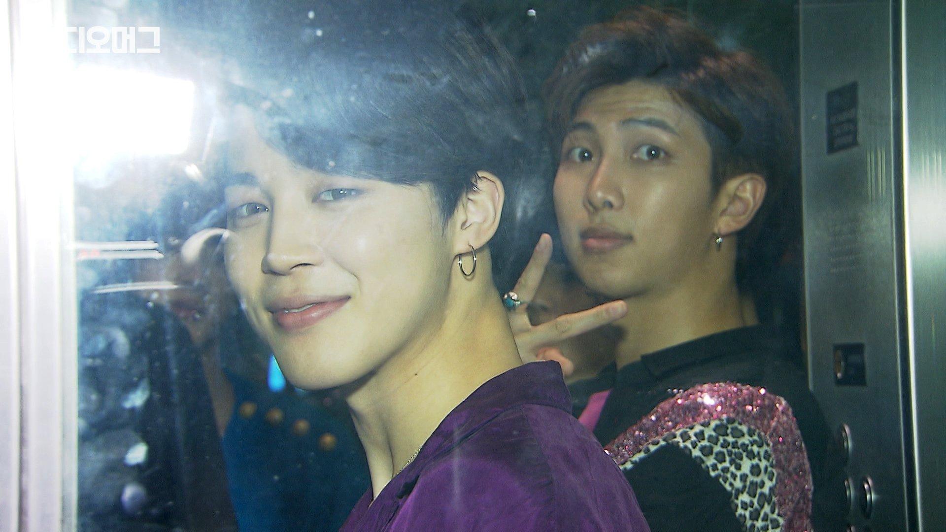 '빌보드 돌' #방탄소년단, #SBS8뉴스 에 떴다 (feat.스포있음) ▶ https://t.co/B1PTRppiXB https://t.co/lTgVbZ4TgR