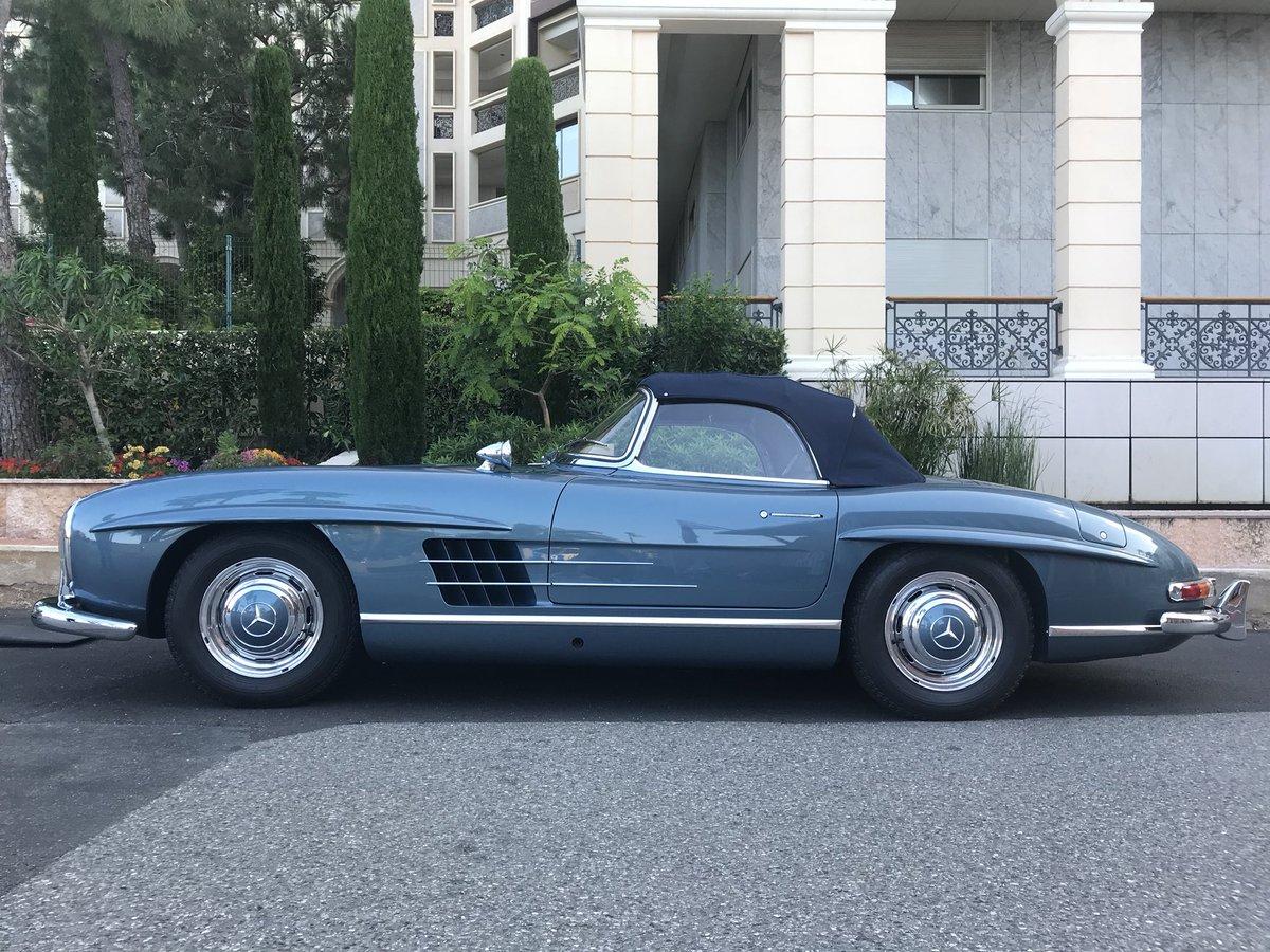 Une voiture de légende cette semaine 😎😎@MercedesBenz #plusbellevoituredumonde#oldtimer#voituredelegende
