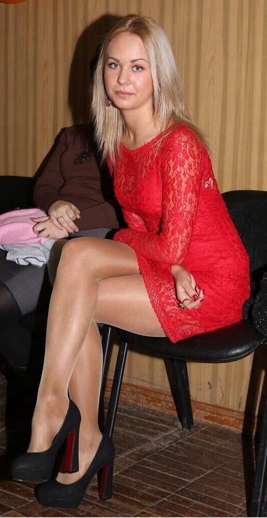 Pantyhose tan heels