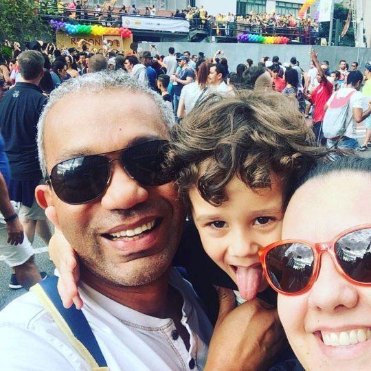 Famílias vão à Parada do Orgulho LGBT e tratam com crianças questões como diversidade e respeito https://t.co/mq8AIdJDbl - via Blog Família Plural