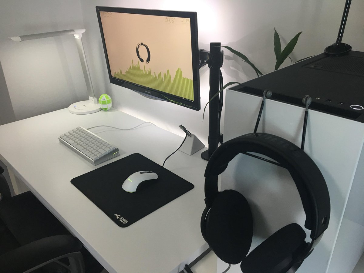Pcs Today On Twitter A Simple Clean Black And White Gaming