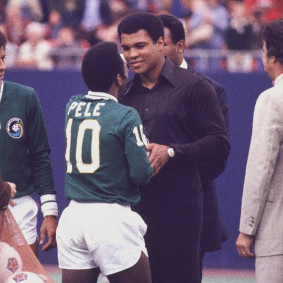"""Pelé on Twitter: """"It's now been two years since we said goodbye to Muhammad  Ali. We grew together as athletes and friends but he was always my hero  too. // Há dois"""