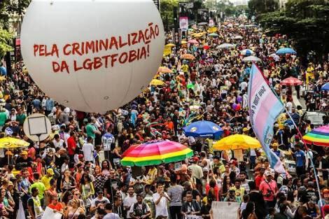 O Brasil deve dizer NÃO AOS CRIMES DE ÓDIO, desde os cometidos por autoridades. A cultura de desrespeito a diversidade começa no Congresso Nacional. Me orgulho de ser parte da RESISTÊNCIA por direitos humanos Lgbt!🌈 #ParadaAoVivo #ParadaDoOrgulhoGay #ParadaLGBT #ParadaLGBT20182018