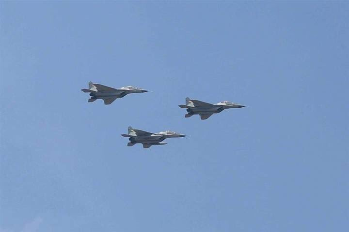 "50 مقاتلة من طراز ""ميغ-29"" إلى مصر - صفحة 3 DezCRgpWsAA35Ia"