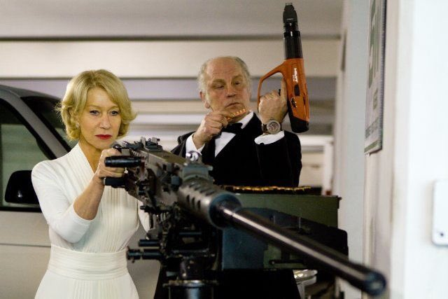 RED2 世界一かっこいいババアが観れる   #銃を構えるかっこいい女性が出る映画