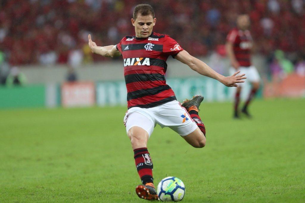 Com a vitória de hoje, o Mengão abriu quatro pontos de diferença para o segundo colocado. O próximo compromisso será contra o Fluminense, na quinta-feira, em Brasília 🔴⚫️ #TimeGrande