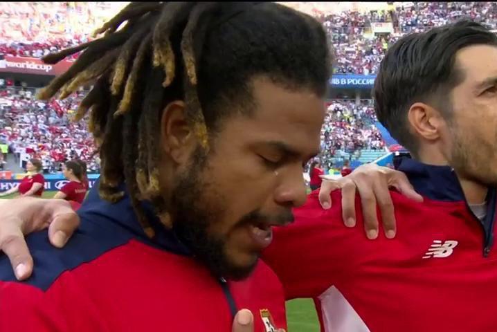 Esqueça por um momento a pressão da #BEL neste primeiro tempo contra o #PAN para guardar na lembrança esta imagem. A emoção de Román Torres ao ouvir o hino panamenho pela primeira vez sendo executado em uma Copa. #Copa2018
