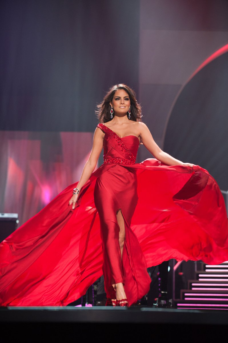 #TBT! Bold in red, #MissUniverse 2010 Ximena Navarrete owning the stage during the evening gown competition. ❤️