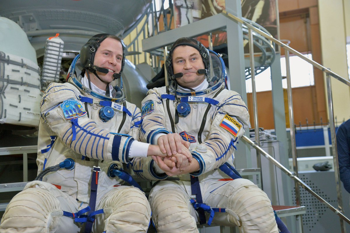 Meet the next space station crew, @AstroHague & Alexey Ovchinin, at 2 p.m. ET today! They'll be answering your  que#askNASAstions live on  TV.@NASA Learn more: https://t.co/3InXApb1xF