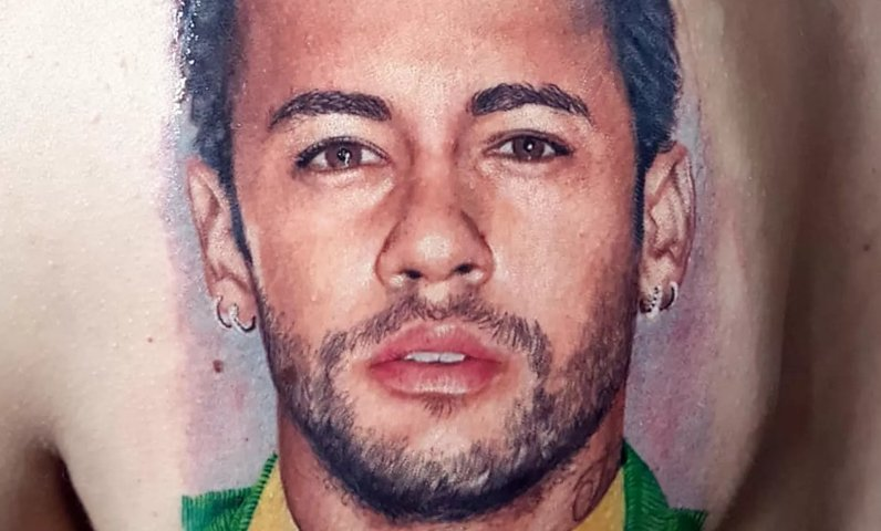 Fã junta dinheiro por seis meses e passa 8 horas tatuando o rosto de Neymar nas costas https://t.co/c4FWaRYWst #G1