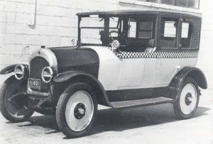 1923 : 1st Checker Cab Taxi Produced in Kalamazoo