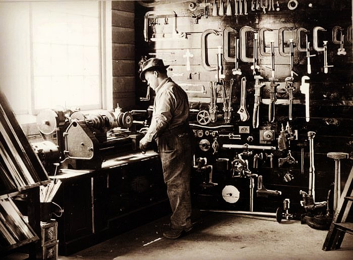 Grungy Machinist On Twitter Old Machine Shop With A Nice Classic