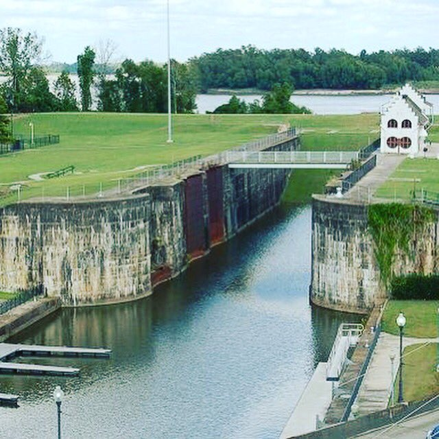 The original Plaquemine Lock. And a lovely little nugget free of charge - built by the same minds behind the Panama Canal! That's bound to be useful right?!? #plaqueminelock #localfacts