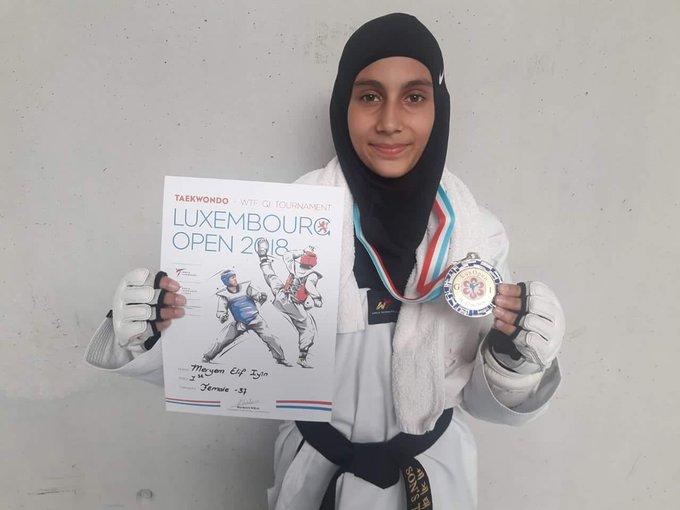 Meryem Elif İyin, İzmir Kemalpaşa İHO öğ Alman, İngiliz, İrlandalı ve İspanyol rakiplerini yenerek Lüksemburg'dan Taekwondo Avrupa şampiyonu olarak döndü... Kendisini ve bu başarıda desteği olan herkesi tebrik ediyorum. Yolu hep açık olsun! Foto