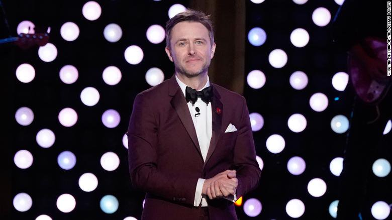 AMC suspends Chris Hardwick talk show after ex-girlfriend makes allegations of abuse https://t.co/BuNbkD2QTn https://t.co/wD4uJGTs1V