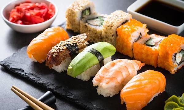 Hoy en el #Díainternacionaldelsushi descubrimos, de la mano de Mario Payán (@Kappomadrid) algunas curiosidades sobre el 'sushi' que, seguramente, desconocías. https://t.co/mw0Uy07Wgh