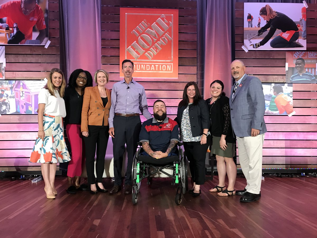 Our CEO, Frank Siller, & SVP, Jeanna DellaRagione, along with Smart Home Program recipients SPC Matt Leyva & SGT Jason Smith, joined @TeamDepot for their Building Materials Department Event to talk about our incredible partnership. Thank you @HomeDepot for your support.