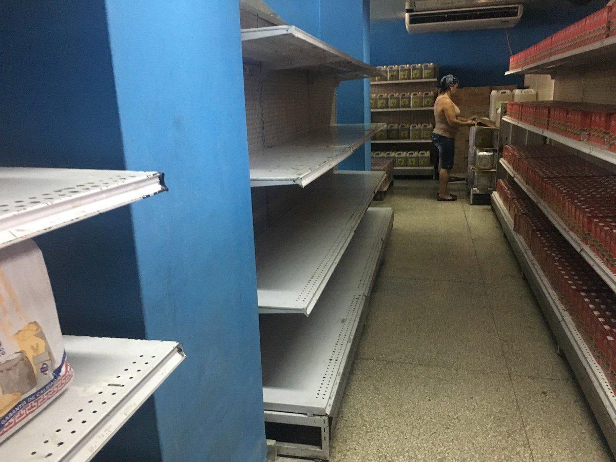 #Cuba está en bancarrota. No es una noticia nueva, pero en las últimas semanas las señales son más evidentes: desabastecimiento recrudecido, servicios que no se prestan por falta de recursos, campañas que se desactivan, empleados enviados para su casas porque no hay materia prima