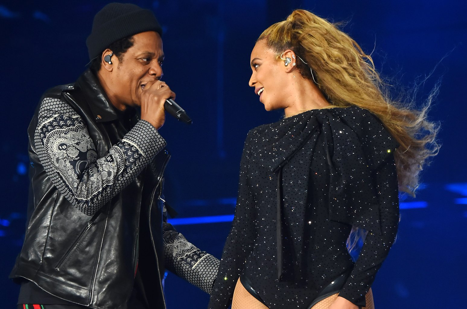 Beyonce & JAY-Z, AKA the Carters, drop joint #EverythingIsLove album https://t.co/DvbnZV5GBE https://t.co/RGQy7CPyQR
