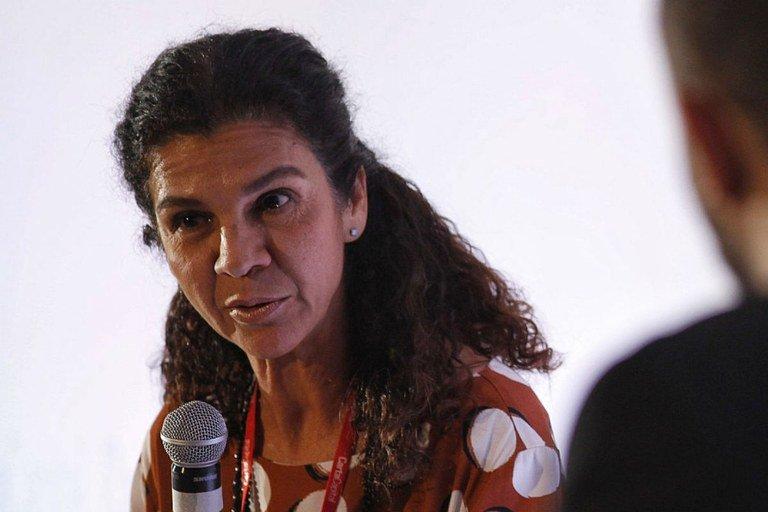 Governo retomou ofensiva pela privatização, diz ex-presidente da Caixa, Maria Fernanda Ramos Coelho. Para ela, ideia é baseada em argumentos vazios como suposta ineficiência e corporativismo. Leia: https://t.co/bafg5yM7Dx. #DiálogosCapitais #SeminárioBancosPúblicos