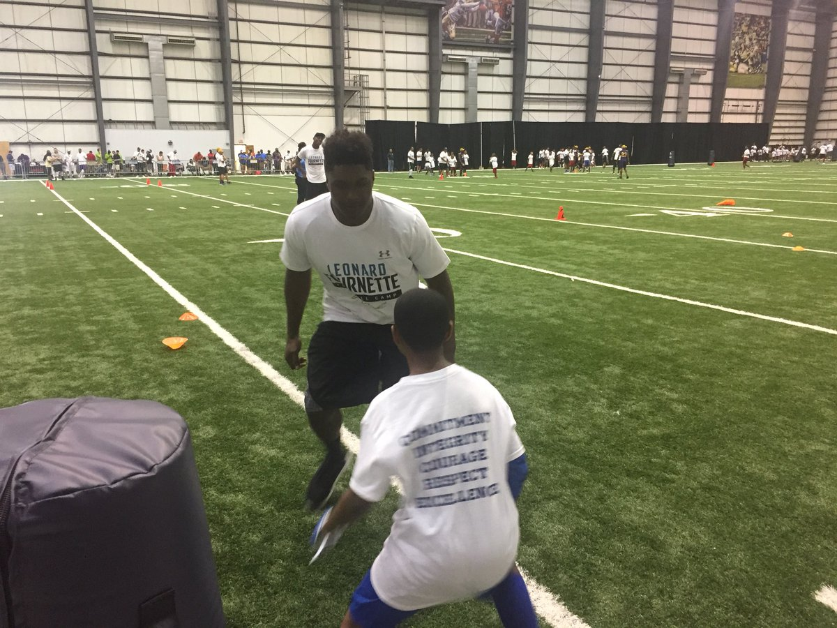 Jaguars LB @MylesJack is showing off his coverage skills today at Leonard Fournette's camp!