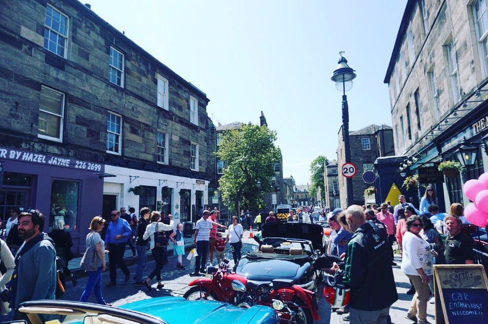 Can we go back to last Saturday and have that lovely sunshine back?   Don't worry the #classicvehicleevent will be back June 2019 in the #westend 🏁  However we cannot guarantee the ☀️ #scottishweather #takeacloserlook #hiddengems #classiccarsdaily #edinburgh #edinburghlife
