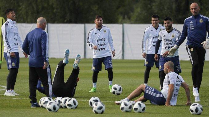 Con Messi en el centro de sus esperanzas, Argentina debuta ante Islandia Photo