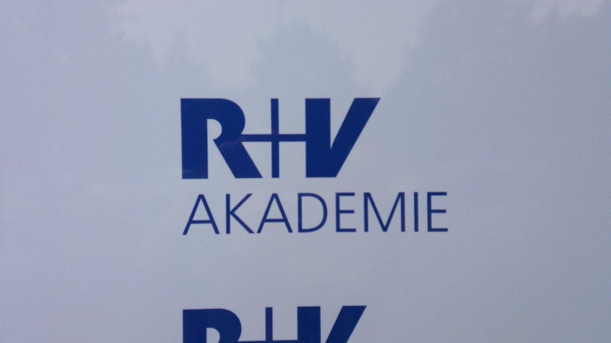 Rundum top. Räume, Essen, Sessions. Das #fosb2018 von @ruv_de und @grameencl in der neuen Akademie von #ruv. Freue mich schon aufs nächste Mal. 😊 Ach, ja. Die Leute und Themen waren natürlich auch toll und interessant. 😘 #socialbusiness #genossenschaften #community