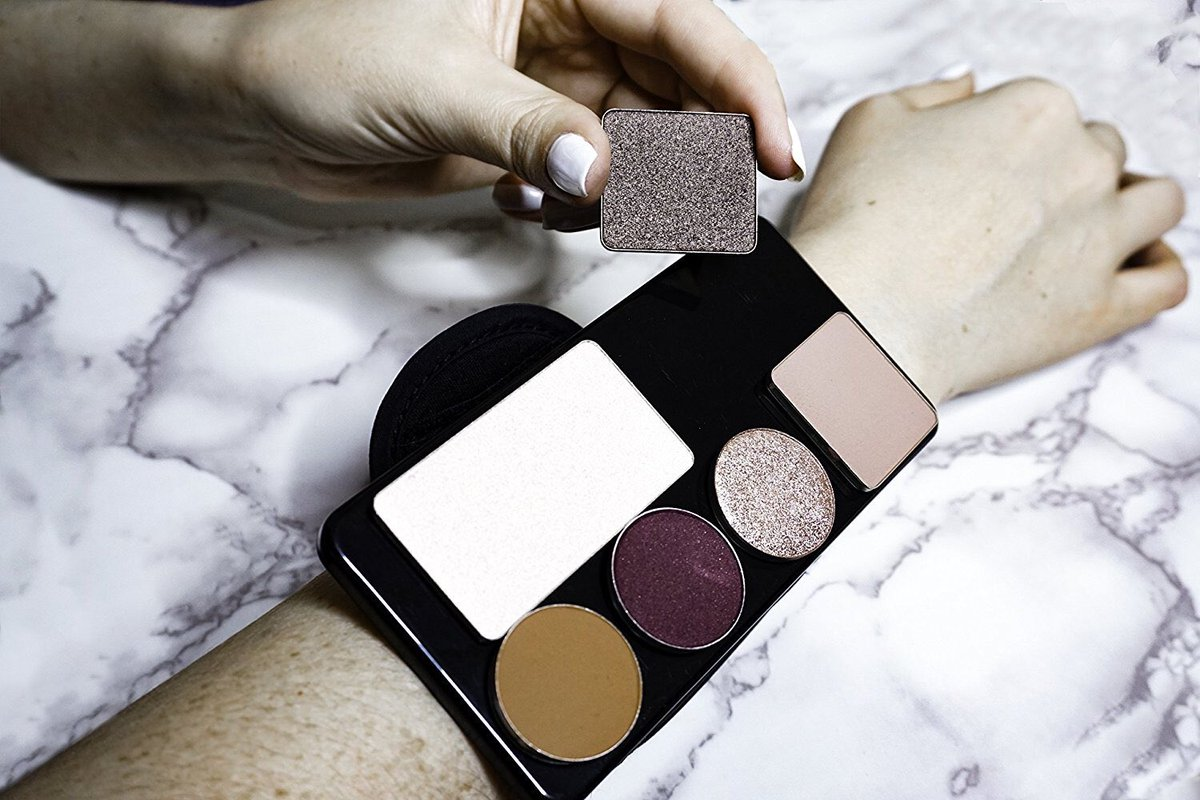 ... shop: Makeup Magnets Hands-Free Magnetic Palette! A dream accessory for Makeup Artists, Hair Stylists, Makeup Professionals and Enthusiasts!