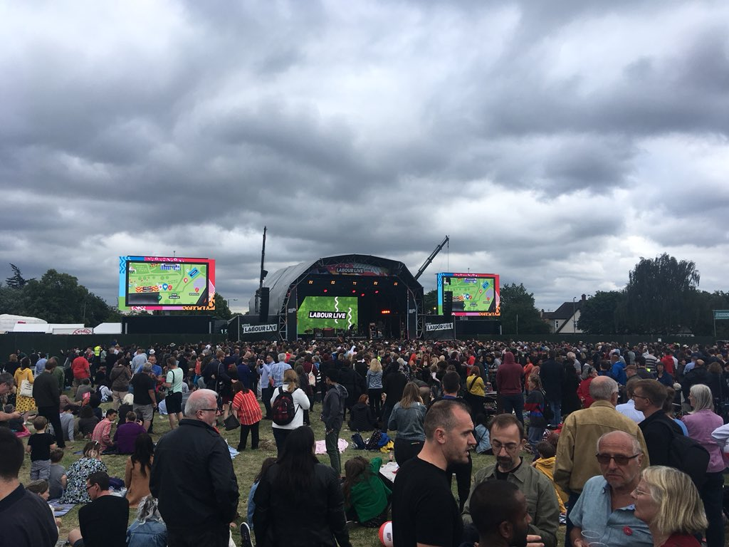 Really great atmosphere and lovely people at #LabourLive ���� https://t.co/vLx5qxqch9