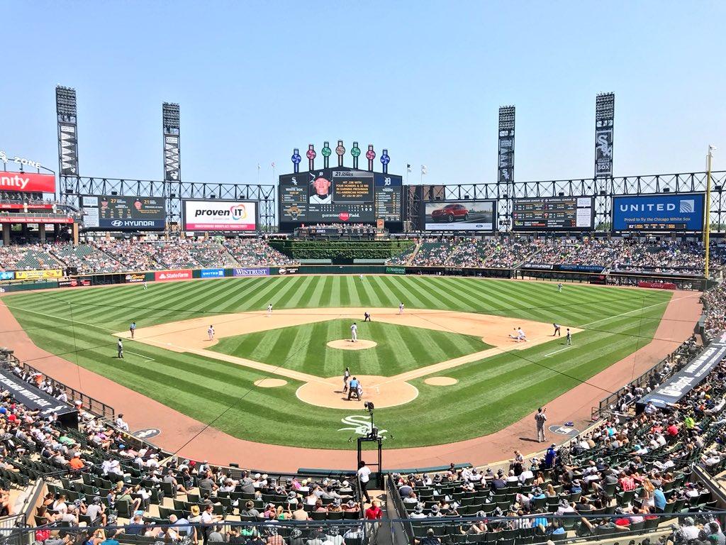 Must be a good day for some baseball if I'm at Guaranteed Rate Field as a @Cubs fan ⚾️